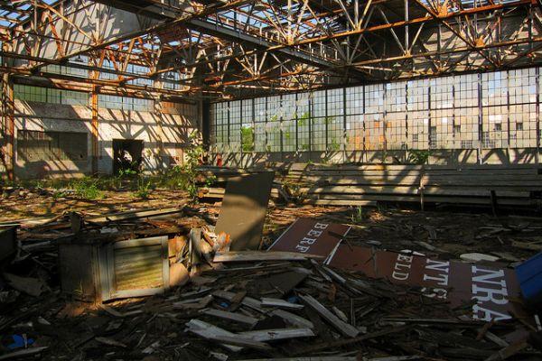abandoned-hangar-ffloyd-bennett-field1