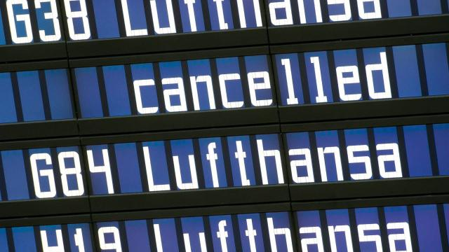 Cabin crew call to strike - Lufthansa